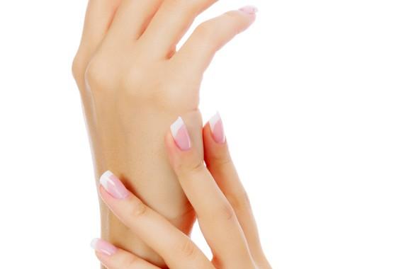 Traitement des mains : Laser, Acide hyaluronique et Skinbooster